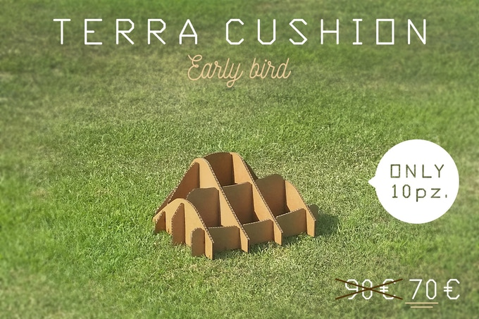TERRA!CUSHION scale 1:1 (dimensions in 17.8  x 17.8 x 8.9 / cm  45 x 45 x 22.5)