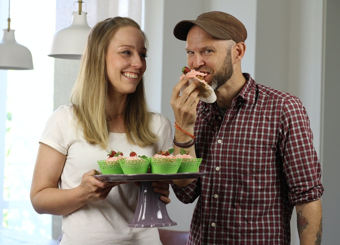 Cupcakes with Nicole Just, best selling author of La Veganista