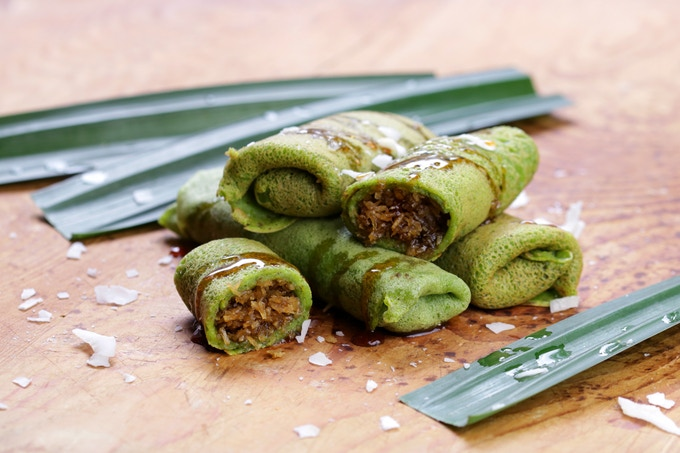 Kueh Dadar: pandan crepes with sweet coconut