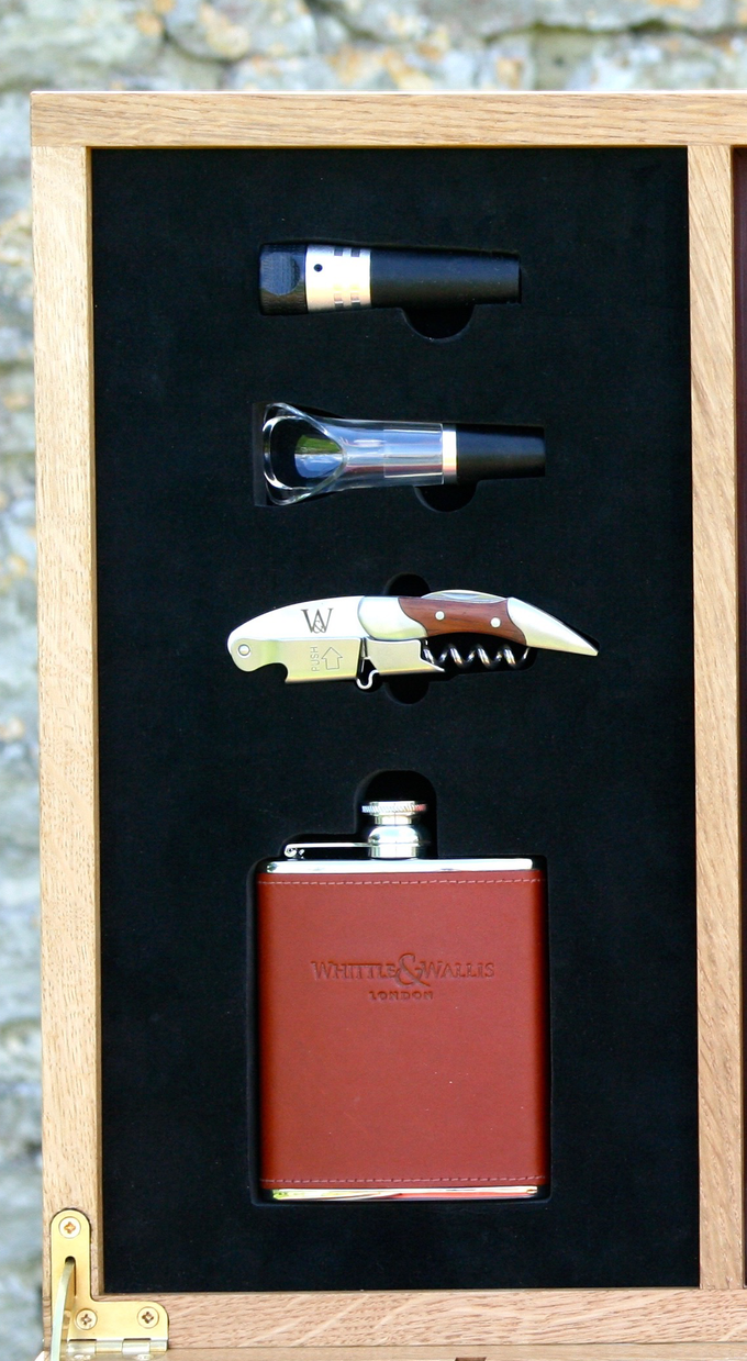 An example of the drinks companion set, inlaid into the lid