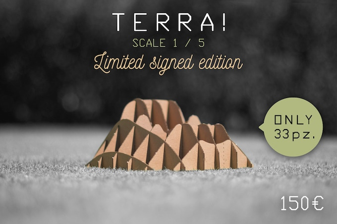 TERRA! LIMITED SIGNED MINIATURE, model scale 1:5 (dimensions in 8,97 x 8,97 x 4,33 / cm 22,8 x 22,8 x 11)