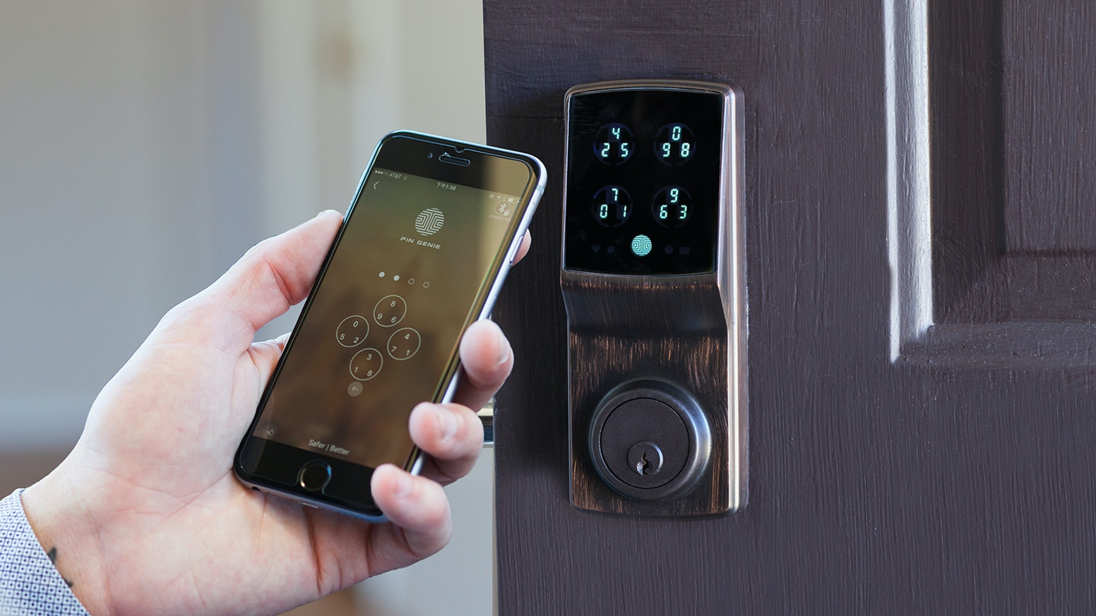 World's first peep-proof and hidden camera-proof smart lock reshuffles your PIN pad after each use