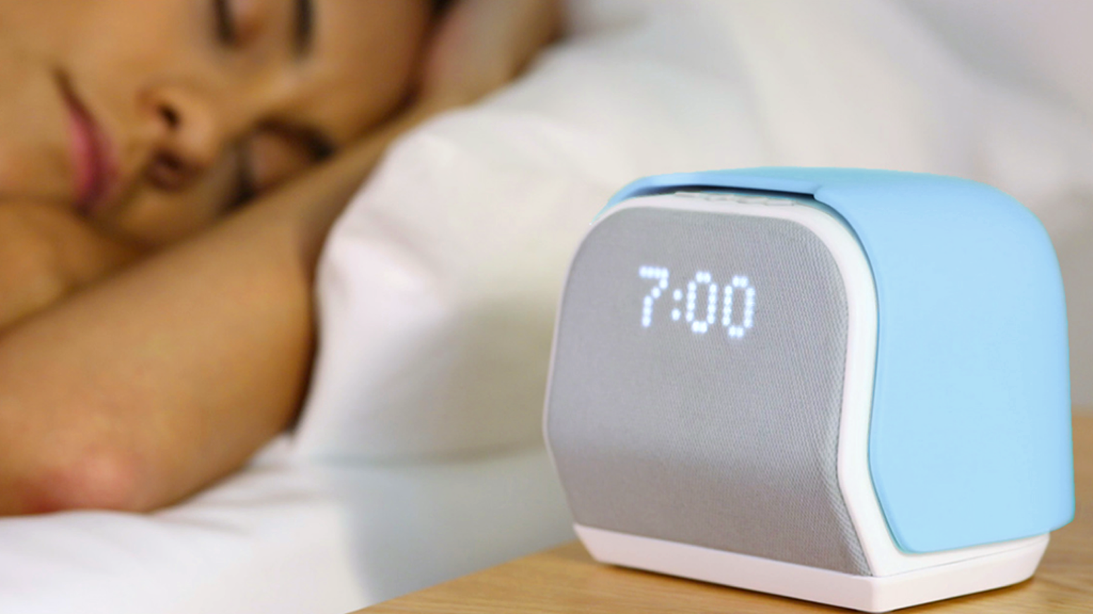 More than an alarm clock, Kello is an advanced sleep trainer that helps you fall asleep, snooze less, tune your body clock and more.