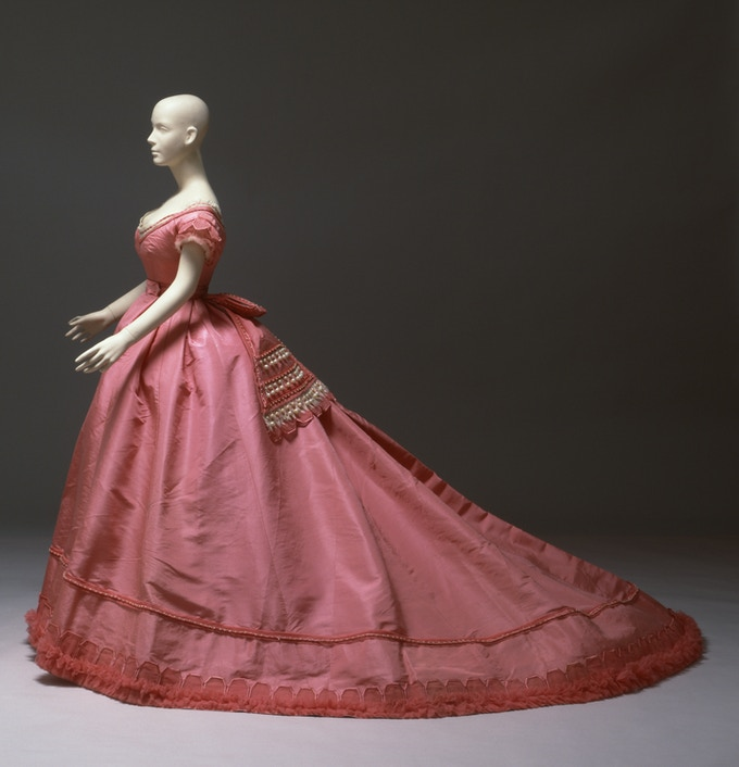 The original Pingat gown in the collection of the Albany Institute of History and Art. Photo courtesy AIHA.