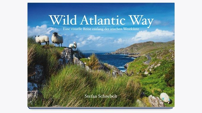 Wild Atlantic Way - Ein 300 Seiten starker Bildband über Irlands spektakuläre Küstenstraße.