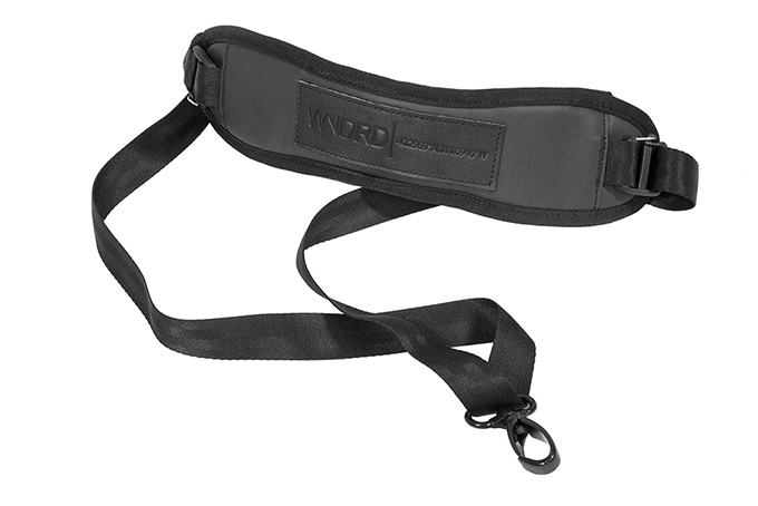 The camera sling is constructed out of the same materials as the PRVKE 21 – Tarpaulin, Nylon, and Leather