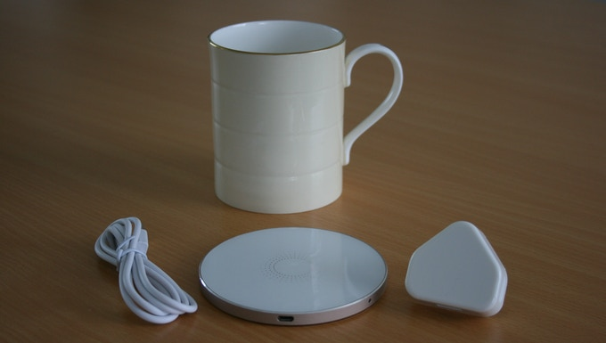 Your choice of Glowstone mug, a Qi coaster, a micro USB lead and a power adaptor