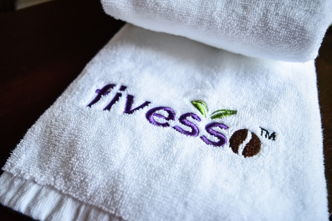 Fivesso Towel