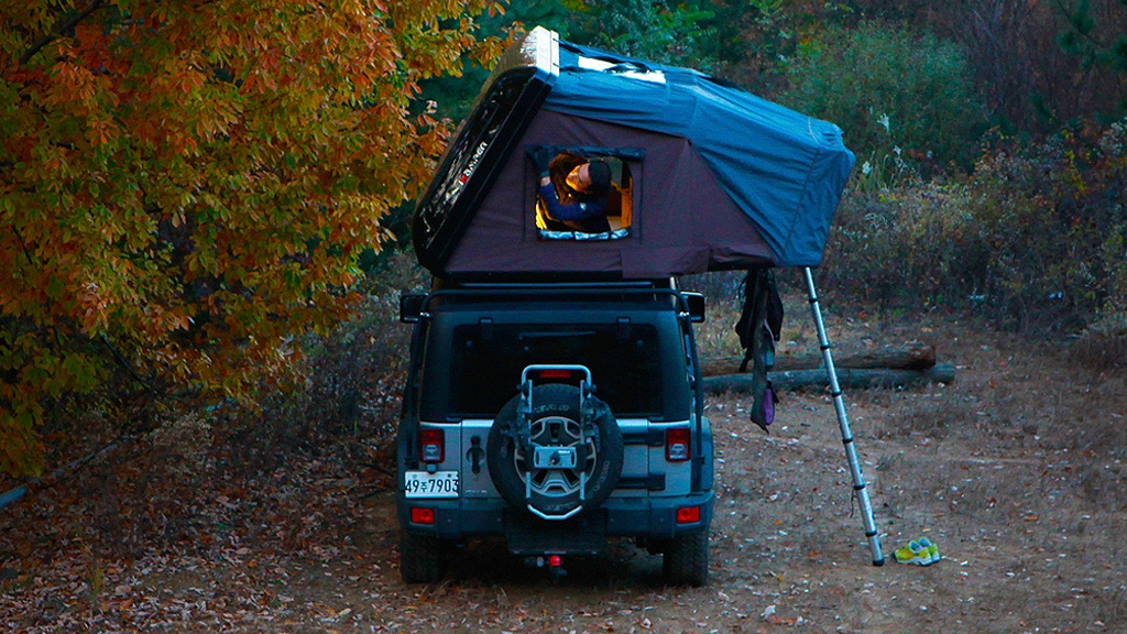 Skycamp The Perfect Roof Top Tent For Travelers On The Road By