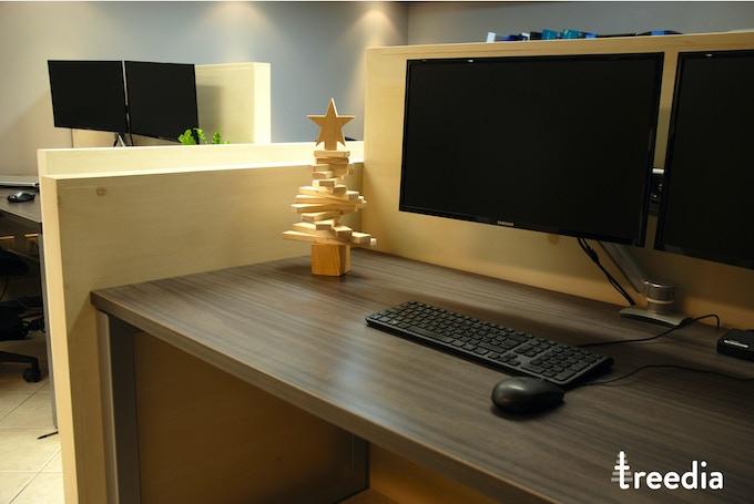 small treedia tree on a desk