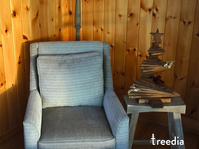 medium treedia tree stained on a stool