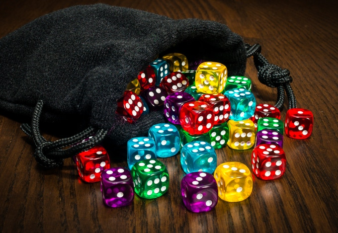 Sagrada comes with 90 6-sided dice (12mm in 5 colors)
