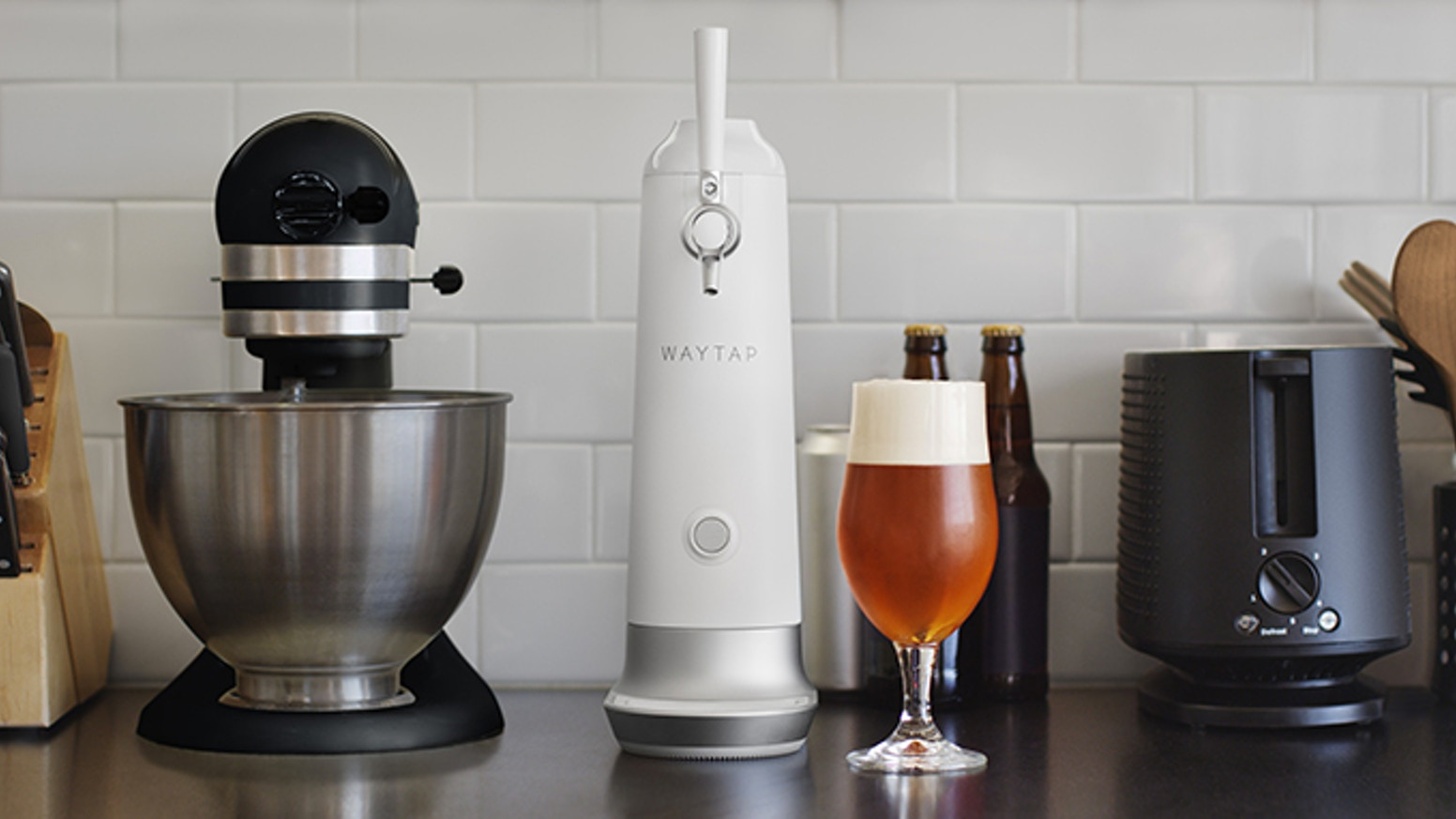 Beer tap systems for home - Sound Waves Convert The Beer S Carbonation Into Densely Compacted Uniform Micro Foam Bubbles