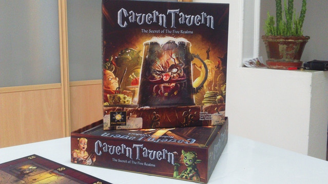 how to play cavern tavern board game