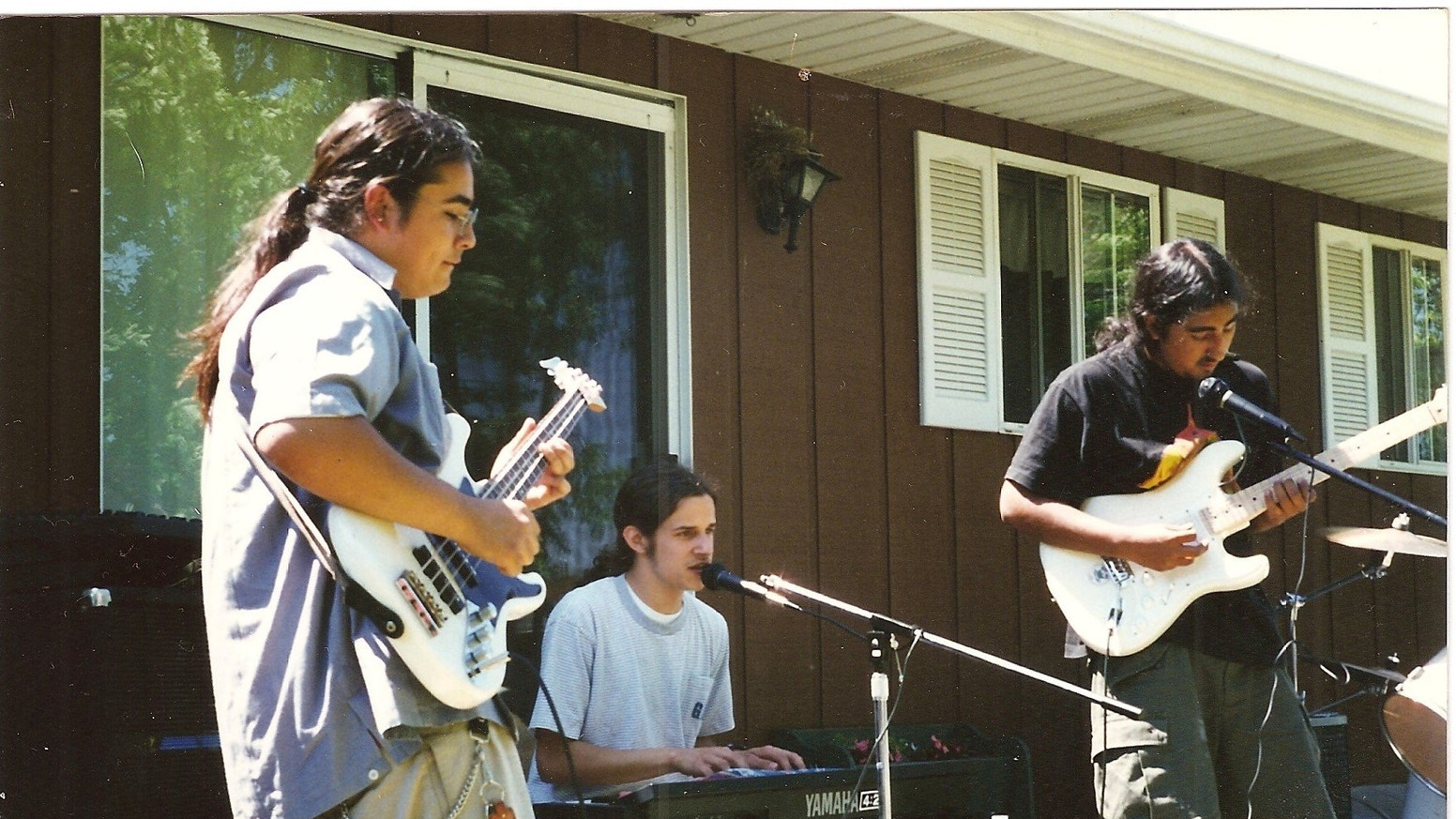 circa 1995: LT group seeks to improvise in a minimal rock setting. Guitar, Rhodes, bass, drums.