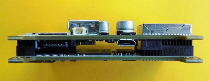 "Dimensions: 7.6cm x 3.7cm x 1.8cm (3"" x 1.4"" x 0.7"") with mounting feet"