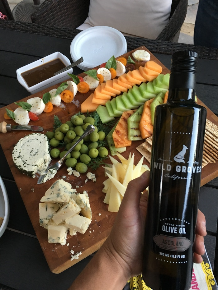 Good EVOO, good WINE, and great APPETIZERS!