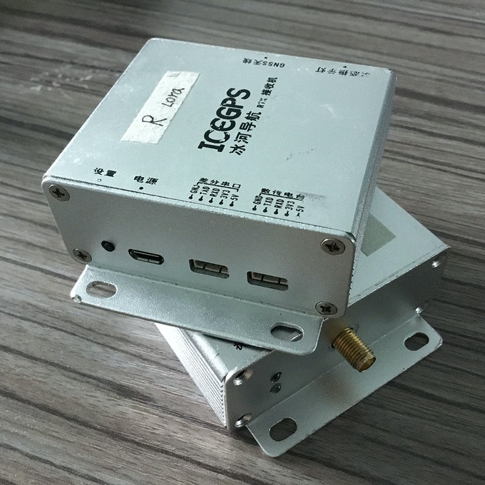 The third version of the circuit looks inside the box With the protection of the box, do not worry about the circuit is damaged. So on the current name RTK Box.