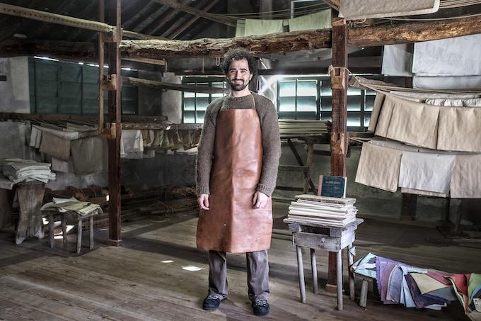 Giuseppe, paper maker // Giuseppe, cartaio