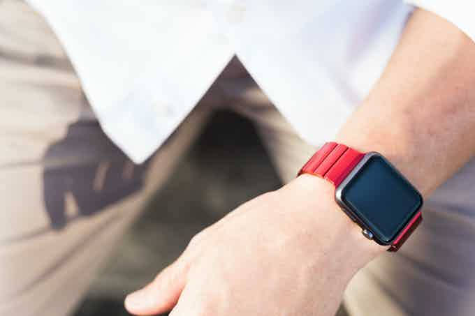 JUUK red aluminum band on 42mm Space Grey Apple Watch