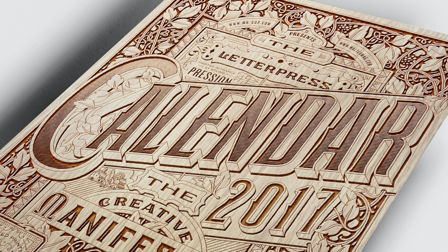 12 Inspiring letterpress word of wisdom printed on 700g color paper . Deluxe edition with wood engraved cover