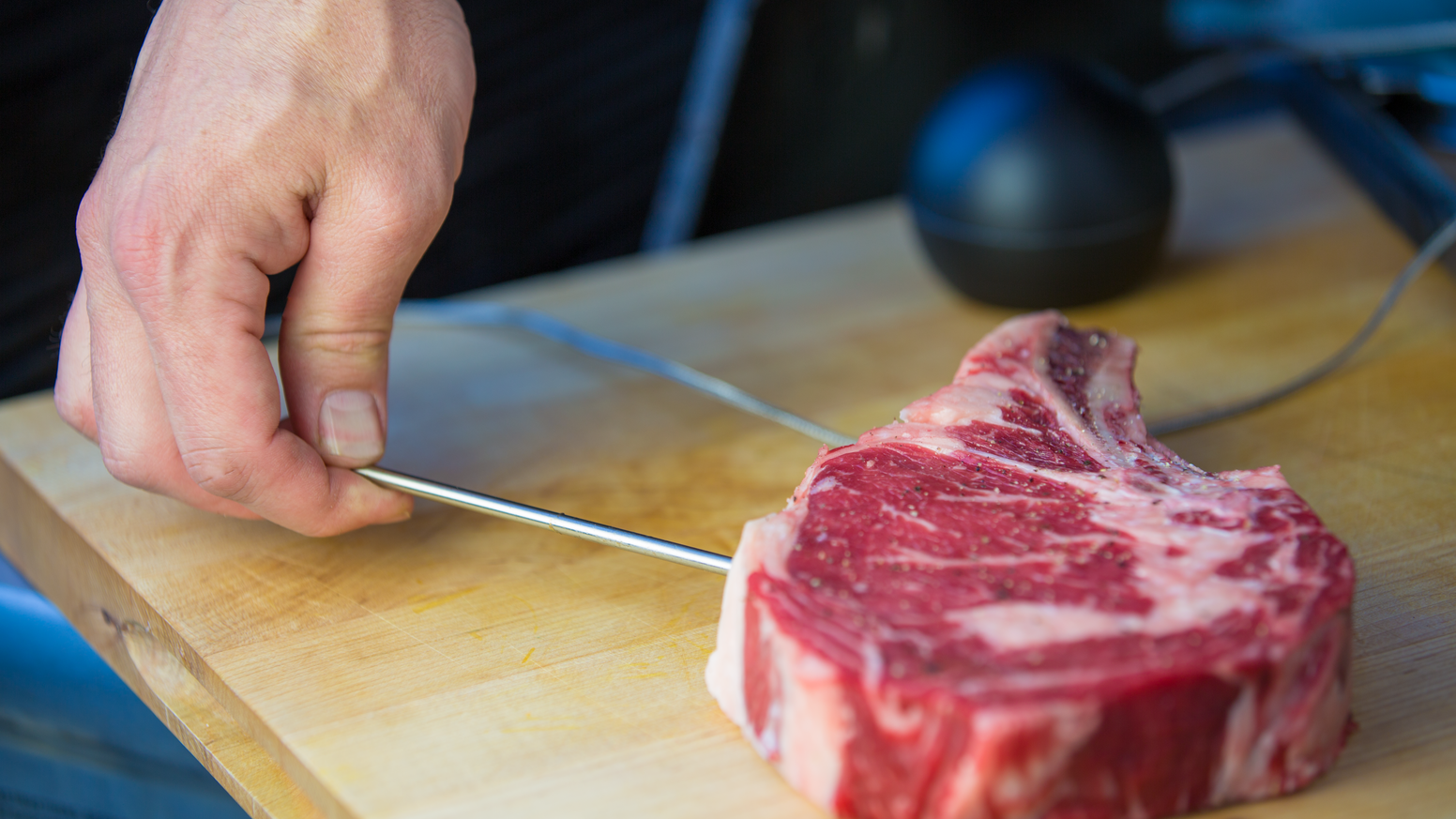 The world's most advanced meat thermometer delivers cooking perfection and mobile notifications.