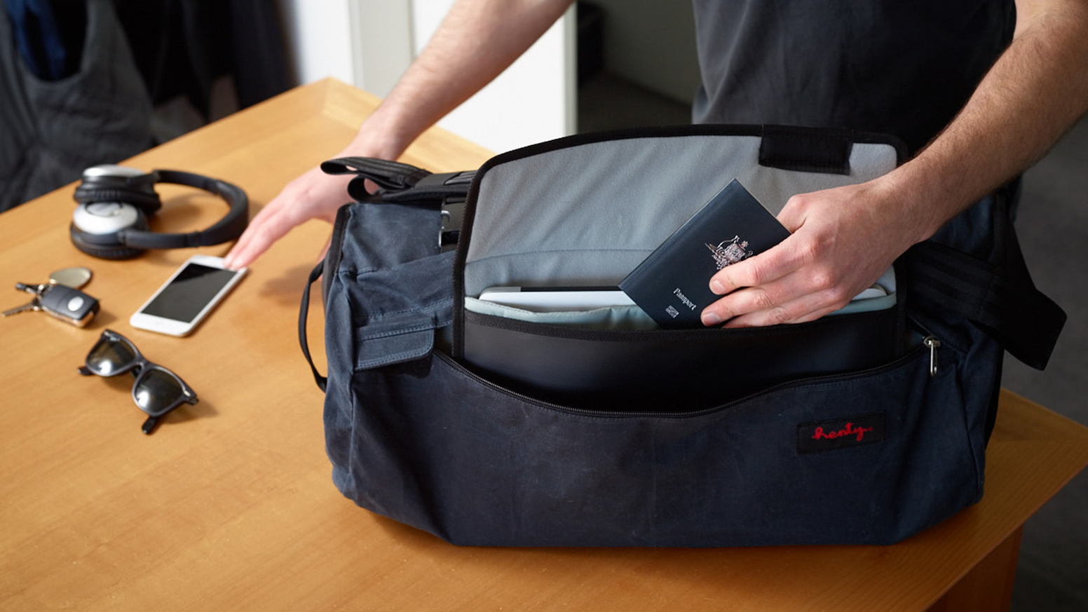 Designed for adventure travel & commuting. Outer garment bag keeps clothes crease-free. Grab & go inner bag for gym & day trips.