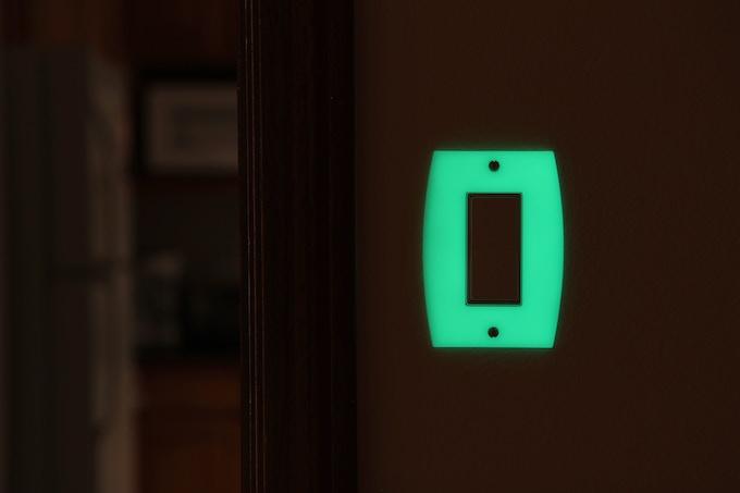 LUMINNO GlowaSwtich Rocker Version Light Switch Plate