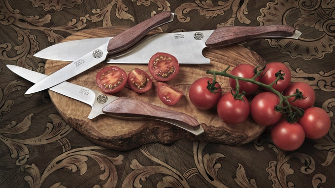 crucial the heirloom chef knife set knife holder by philippe schlesser kickstarter. Black Bedroom Furniture Sets. Home Design Ideas