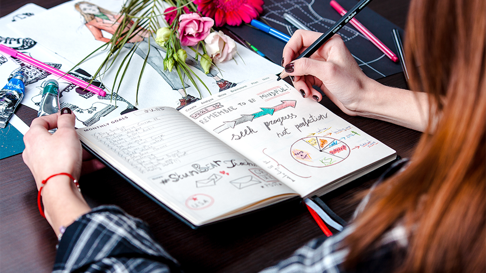 Elegantly designed & crafted for enjoyable planning and note-taking. Combines form and function to elevate your everyday goals.
