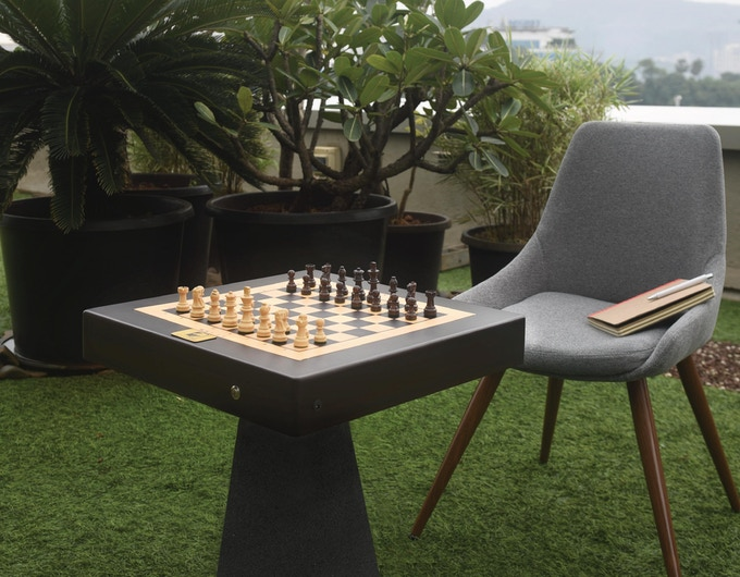 You, the board and a game of chess, what a beautiful Sunday morning.