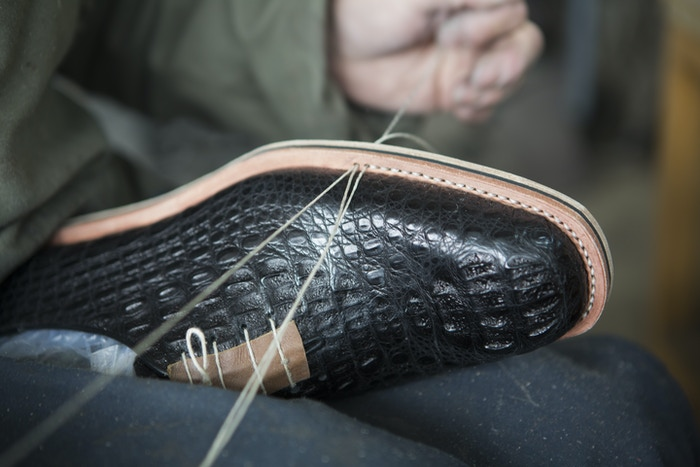 Handcrafted shoes at a revolutionary price for the modern man. Democratizing the luxury of bespoke fashion.
