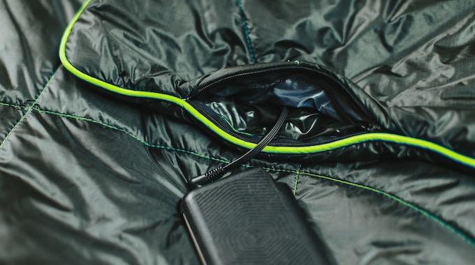 The Rumpl Puffe A Portable Battery Powered Heated Blanket By Rumpl Kickstarter