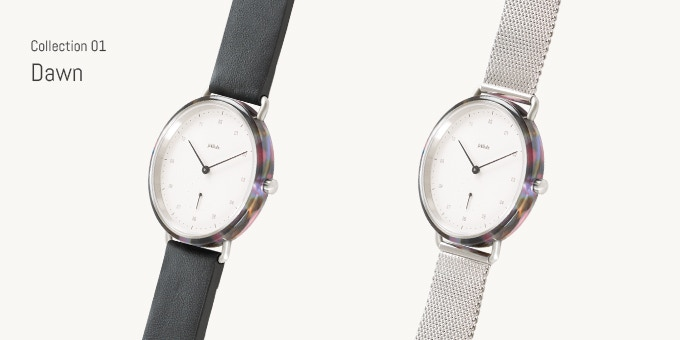 Choose between Dawn with leather strap or Dawn with Milanese strap.