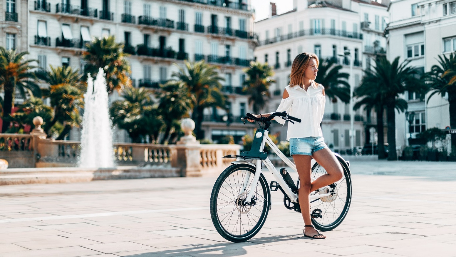 Le premier vélo hybrid de France qui se recharge au freinage / the first hybrid bike in France with self-charging,