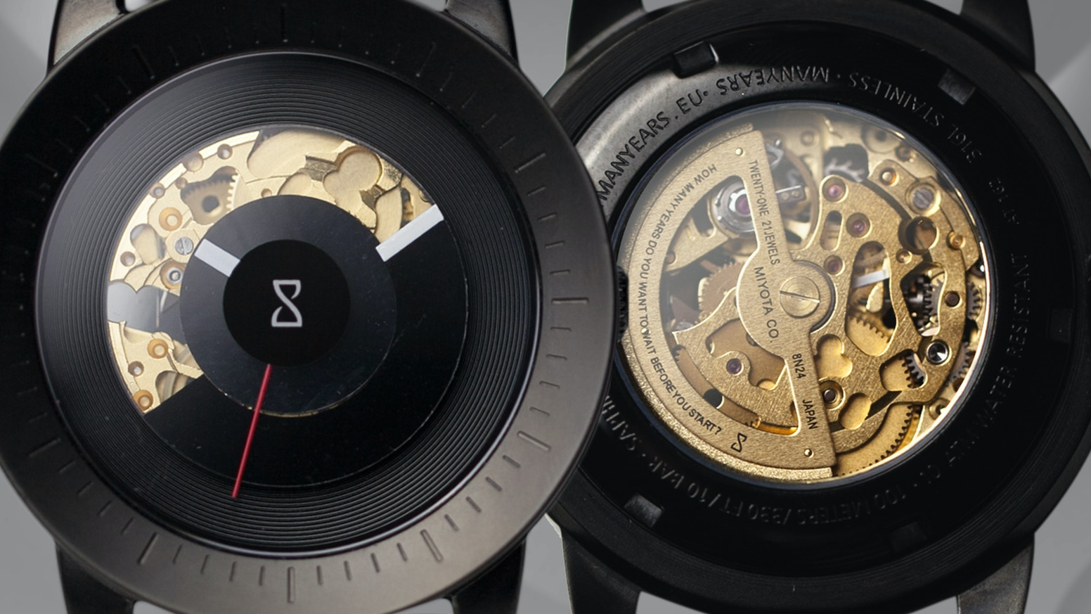 MOTION is a watch with an unique dial which rotates around its own axis. It's build with high quality and is permanently in motion.