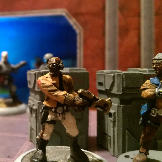 Hegemony agents infiltrate a smuggler base