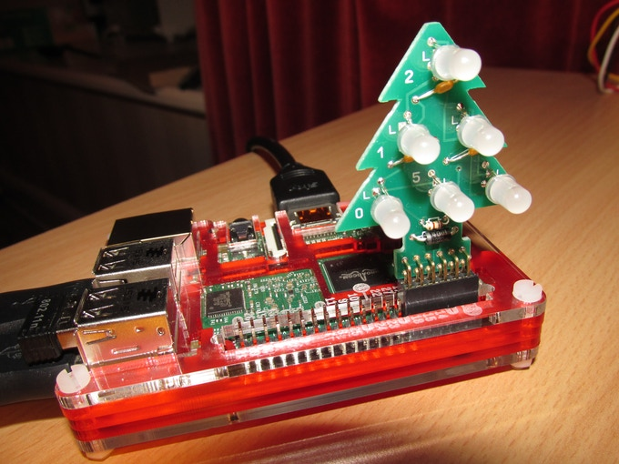 RGB Xmas Tree connected to a Raspberry Pi