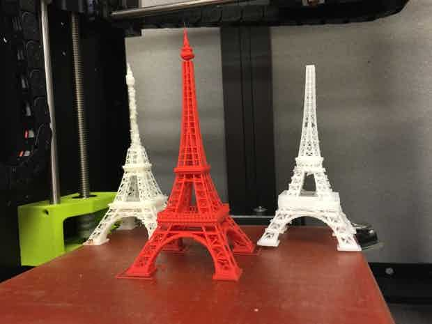 3 Eiffel Towers printed by 3 different FDM 3D printers. Courtesy of Computer World