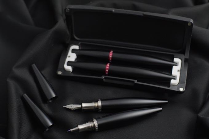 Stylos Black Hybrid Titanium/Aluminium with Capsule Case
