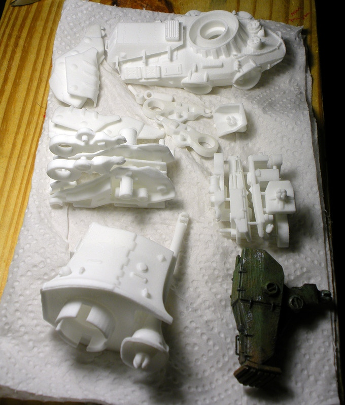 A full kit, as received by customer. 1 Tank Chassis; 2 to 4 Tank Legs; 1 Turret.