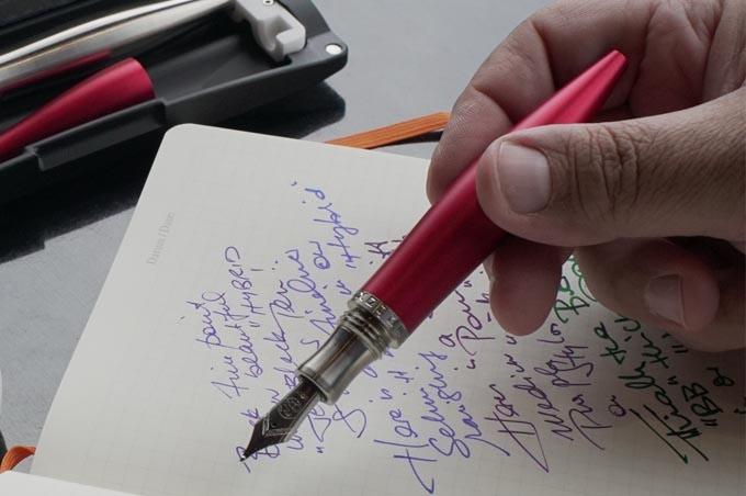 Stylos HYBRID Red Fountain Pen