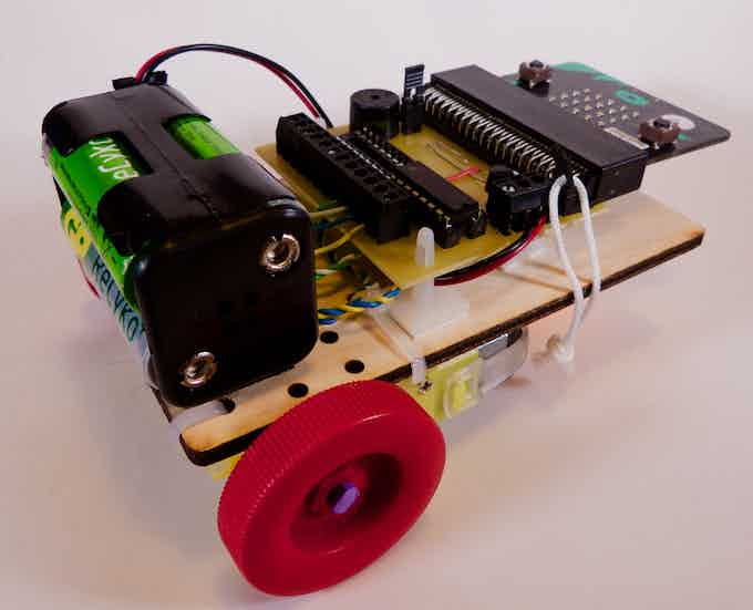 ChickBot micro:bit - micro:bit not included