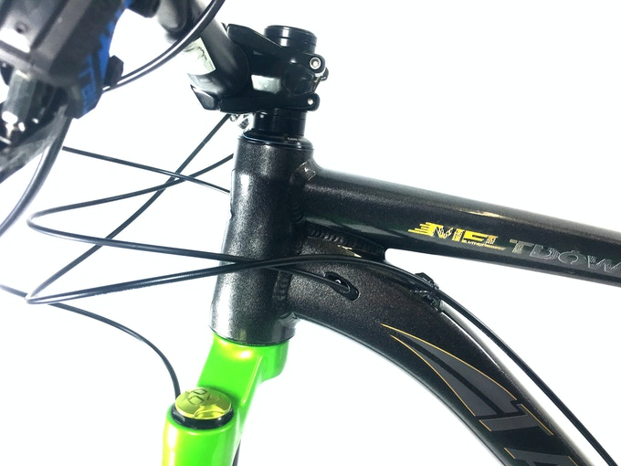 Clean, all internal routing for dropper and rear derailleur