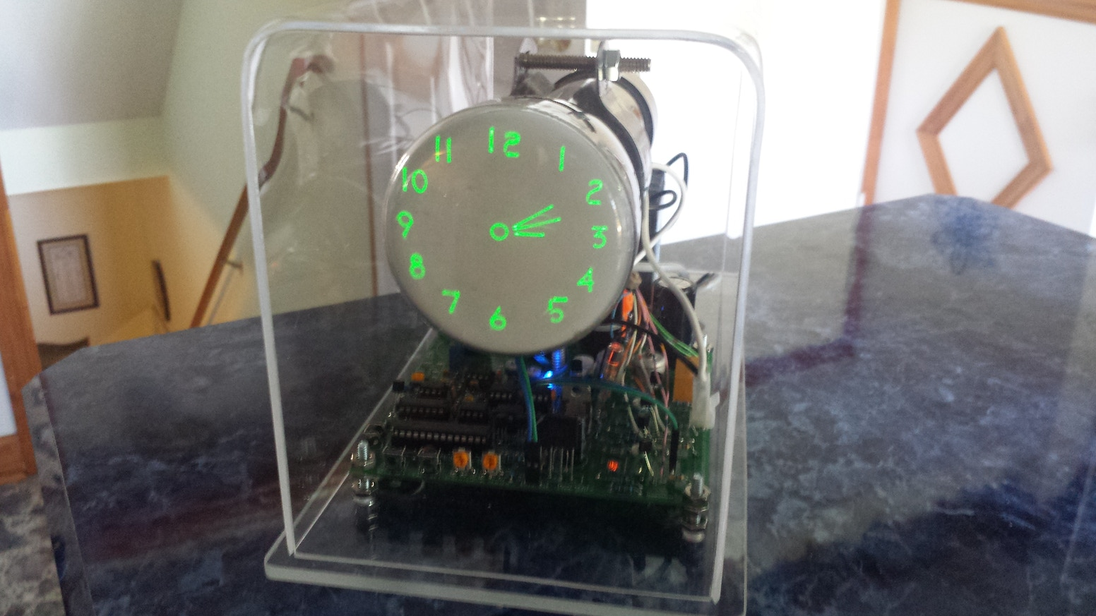 The Oscilloscope Clock IV - analog version for large CRTs by