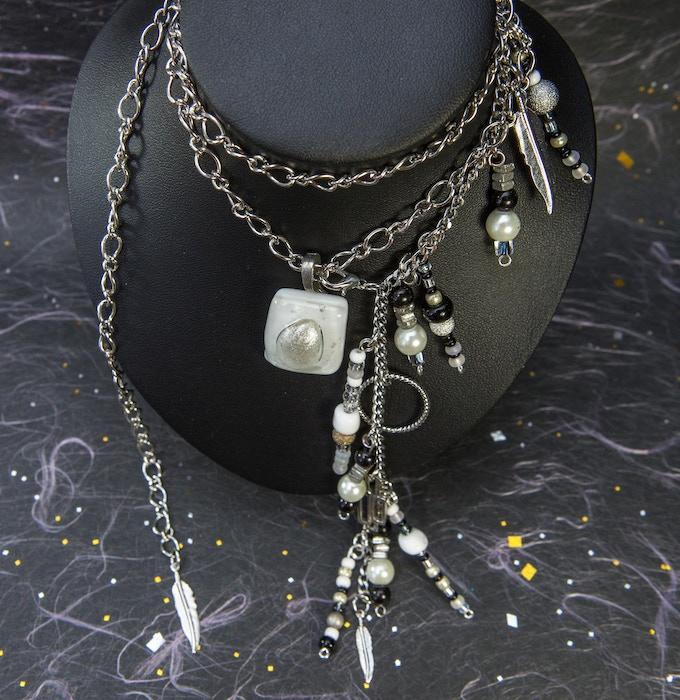 Collier avec Verre Fusionné et Breloques - Necklace with Fusing Glass