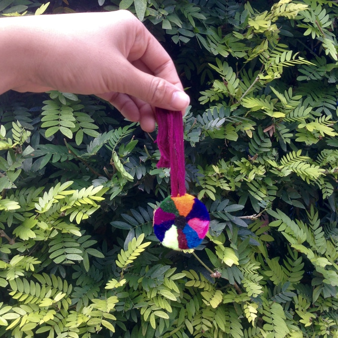 Free gift: traditional pompom