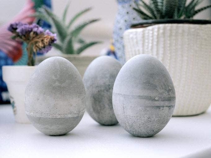 Huevos de concreto / Concrete eggs