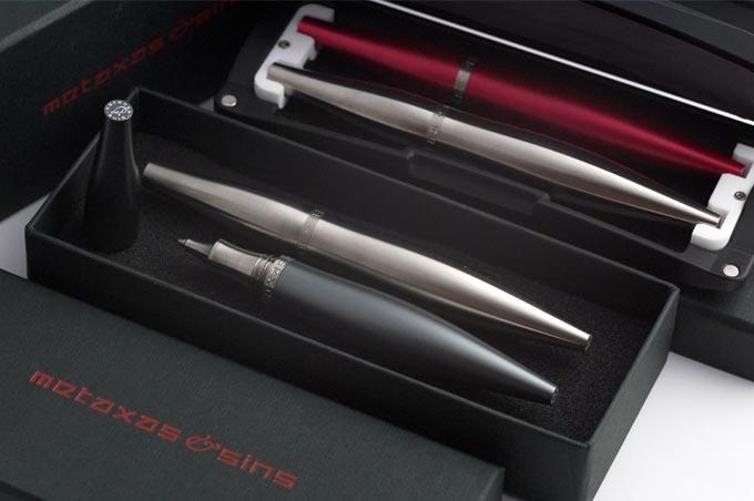 Stylos in Capsule & Gift Box