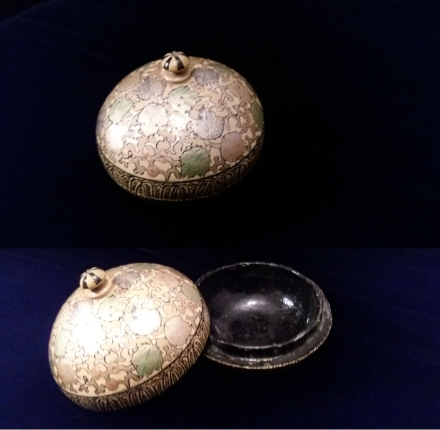 Cream, Gold & Green Round Trinket Box